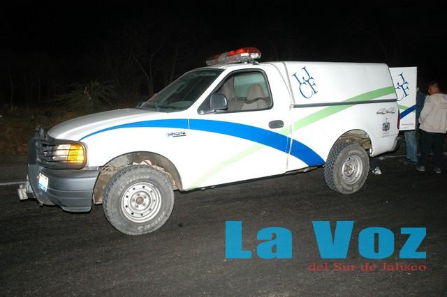 Muere un hombre calcinado después de volcar su camioneta