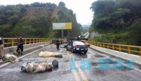 volcadura autopista (2)